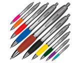 Bolígrafo con acabado satinado.